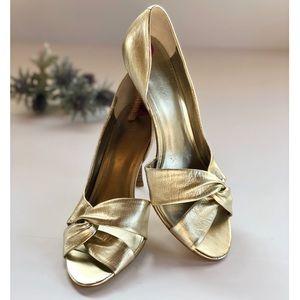 Nine West NWOT Gold Peep Toe Pumps Heels Elegant